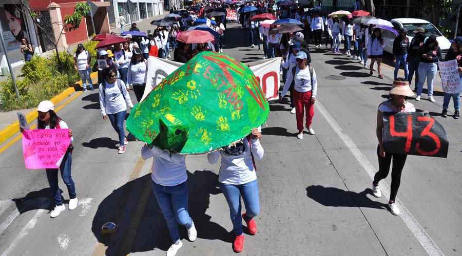 Desde Oaxaca, piden justicia por Ayotzinapa | El Imparcial de Oaxaca