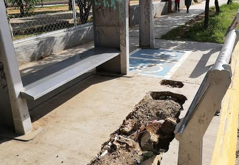 Paradas del DIF en Oaxaca en malas condiciones | El Imparcial de Oaxaca