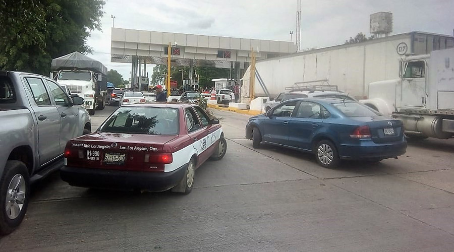 Por segundo día, inconformes bloquean ciudad de Tuxtepec | El Imparcial de Oaxaca