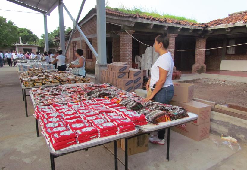 Realizan tianguis de ayuda en Ixtaltepec