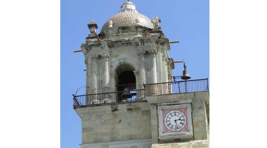 Reloj de la Catedral de Oaxaca, dejó de funcionar