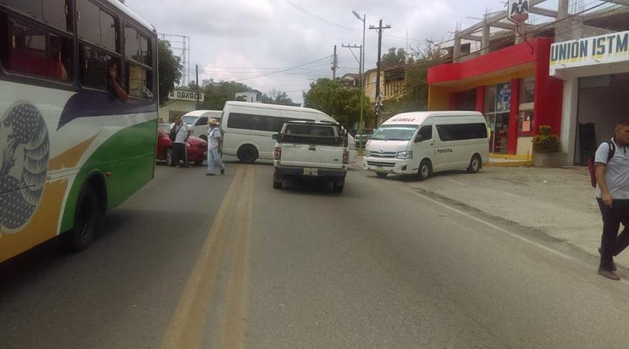 Transportistas del Istmo protestan contra cobro de impuesto | El Imparcial de Oaxaca