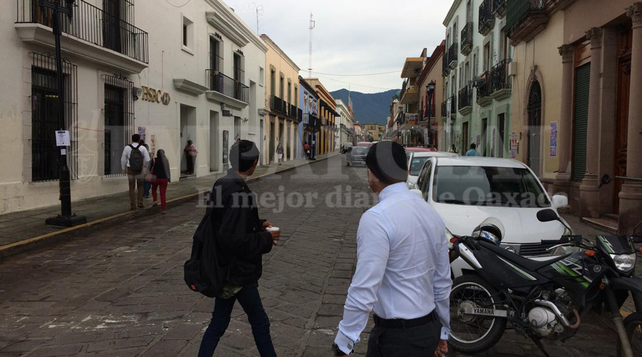 S-22 libera la Calle Armenta y López: ardid por las fiestas patrias   El Imparcial de Oaxaca