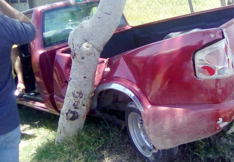 Accidente contra objeto fijo en Huajuapan | El Imparcial de Oaxaca