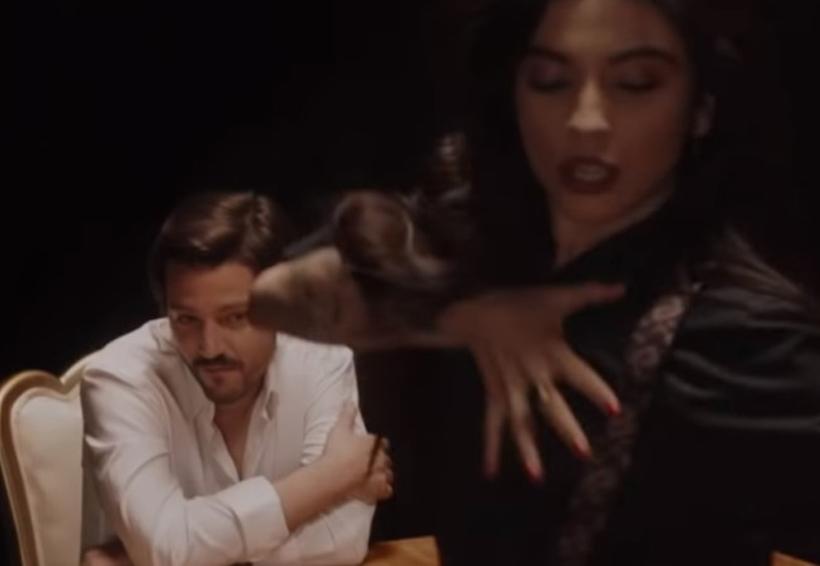 Diego Luna protagoniza el nuevo video de Mon Laferte | El Imparcial de Oaxaca