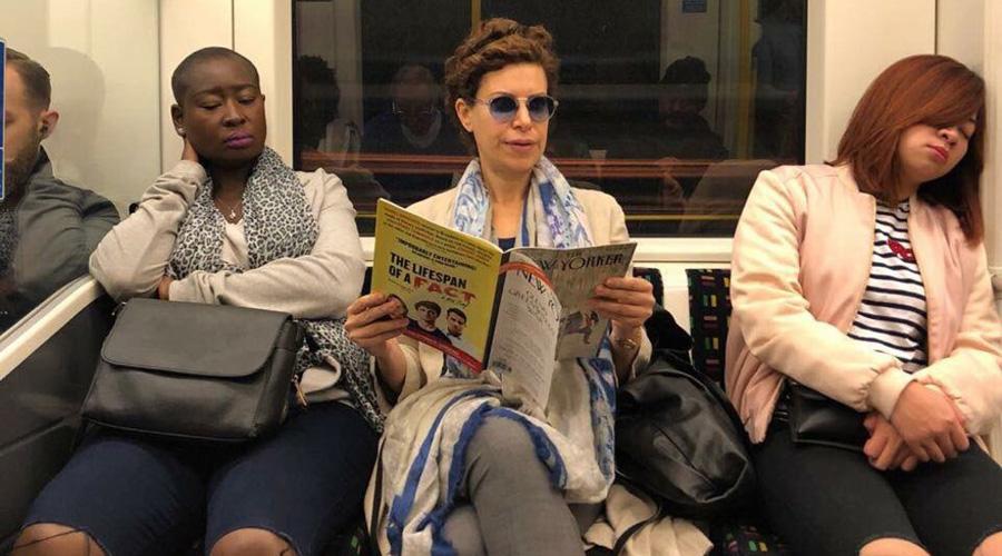 Captan a Karime Macías, viajando en el metro de Londres | El Imparcial de Oaxaca