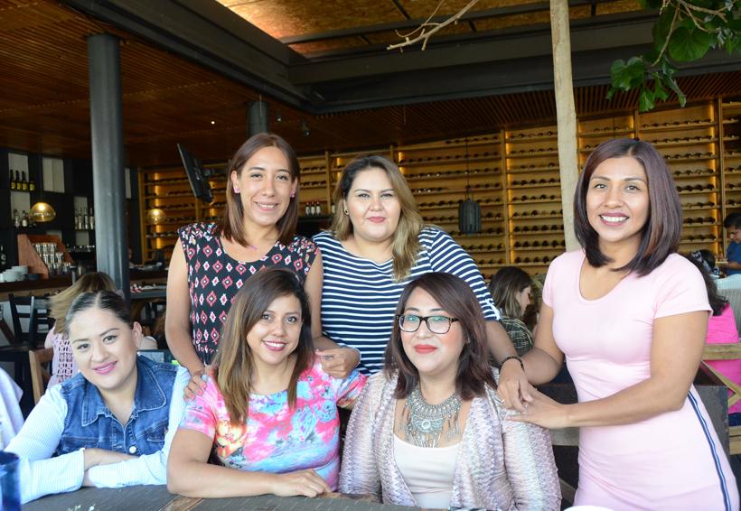 Ivone celebró su cumpleaños junto a queridas amigas