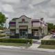 """Video: Empleada latina de Taco Bell niega servicio a cliente afroamericana """"por no hablar inglés"""""""