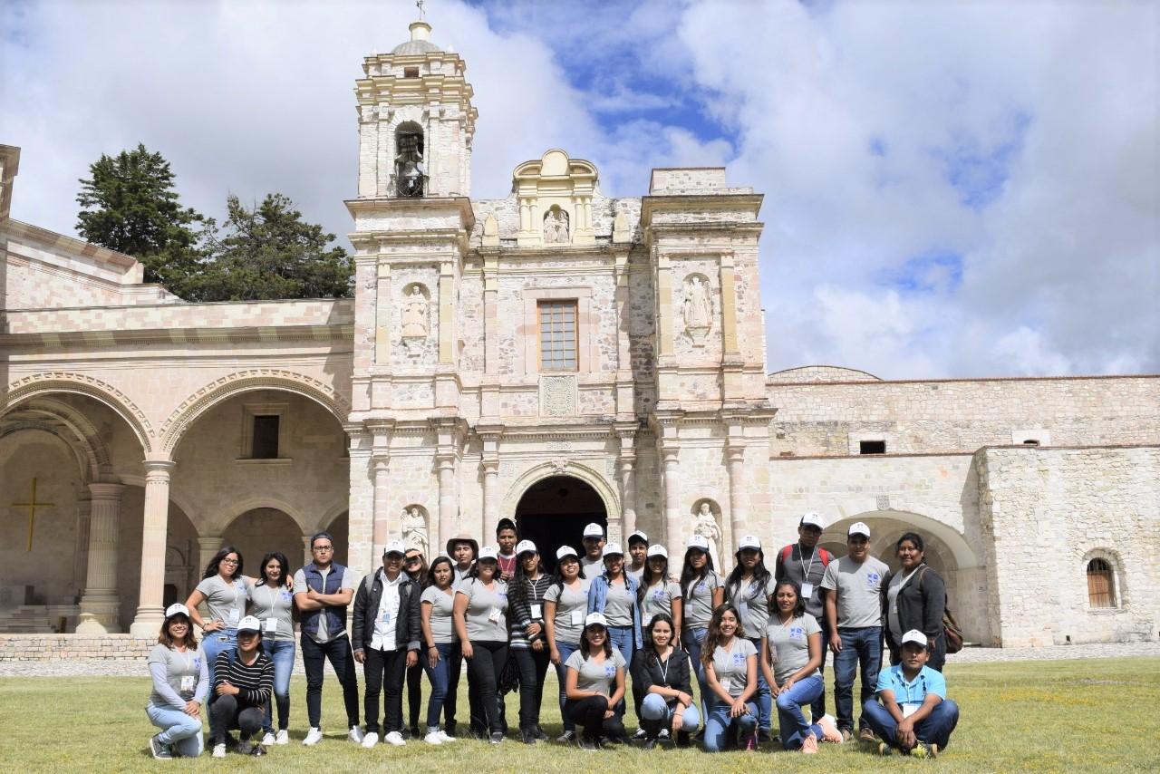 Realizan brigadistas de ICE-UABJO 'Diálogos por la educación' en la Mixteca