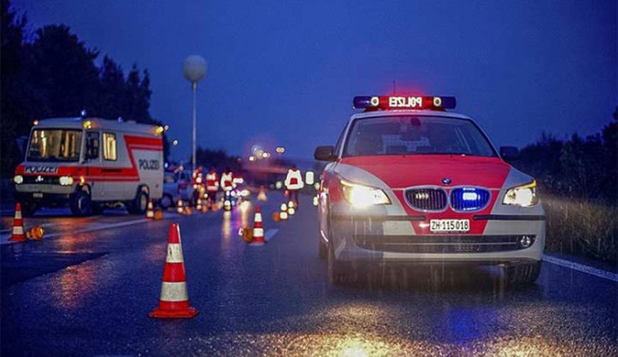 Lo atropella auto, ambulancia y patrulla; muere. Noticias en tiempo real