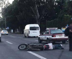 Atropellan a mujer motociclista en la carretera 190