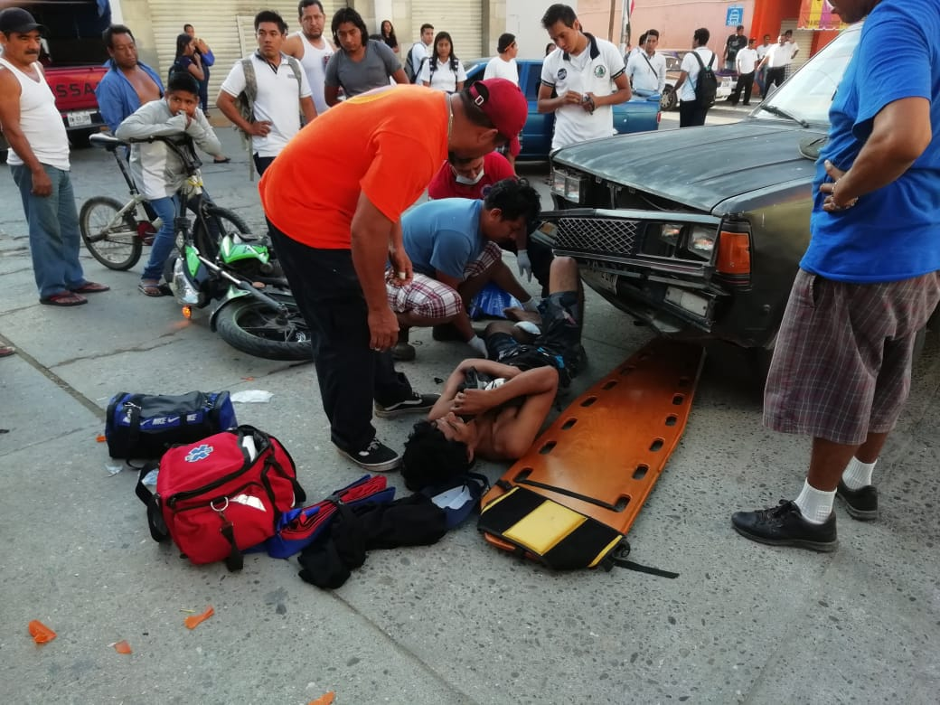 Camioneta impacta a motociclista en Pochutla | El Imparcial de Oaxaca