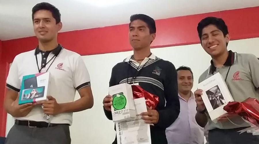 Víctor Yahir se proclama ganador en el torneo de ajedrez Día de la Raza
