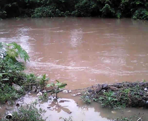 Chimalapas afectados por potentes lluvias