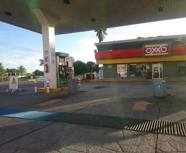Clausuran gasolinera del Istmo por falta de permisos