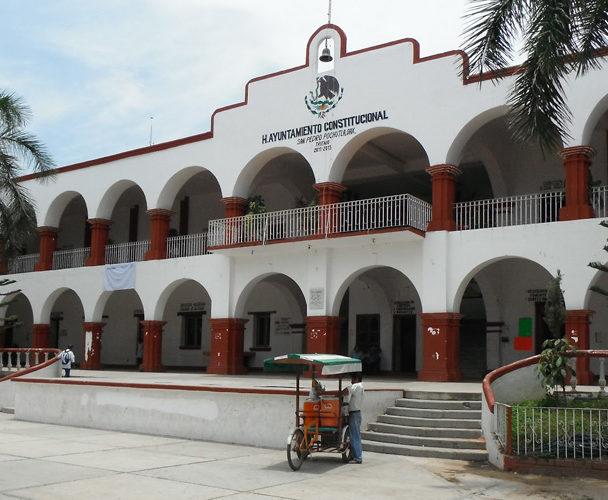 Denuncian a ayuntamiento de Pochutla ante DDHPO