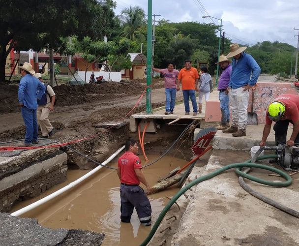 Apoyan a damnificadosde Bahías de Huatulco
