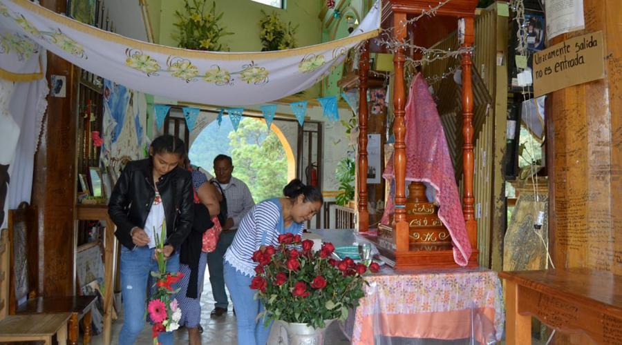 Genaro sanó del tobillo;  agradece a la Virgen de Juquila | El Imparcial de Oaxaca