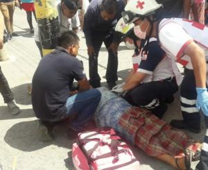 Mujer es balaceada en la entrada de una escuela primaria del Mercado de Abasto