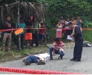 Asesinan a balazos a joven pollero en Putla