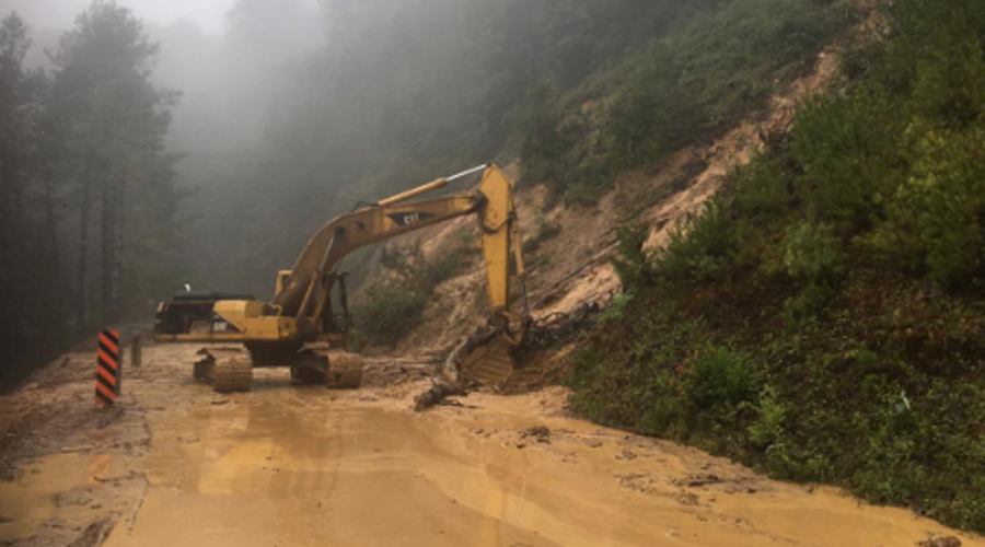 Reportan derrumbes y deslaves en carreteras de Oaxaca | El Imparcial de Oaxaca
