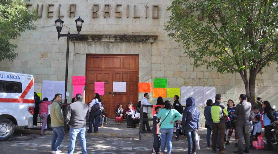 Rechazan a paristas en escuela Basilio Rojas | El Imparcial de Oaxaca