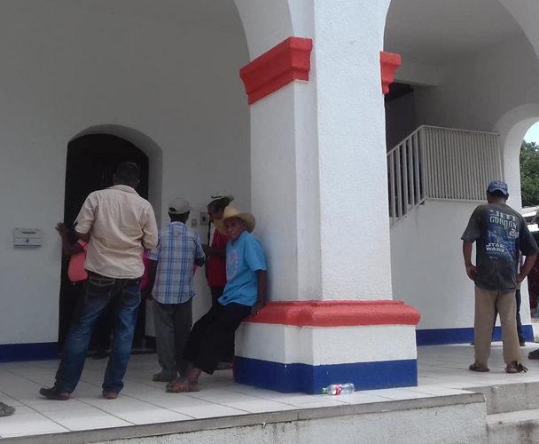 Toman palacio municipal de San Juan Cacahuatepec, Oaxaca
