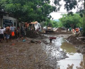 Tormenta tropical golpea Huatulco y Pochutla en Oaxaca