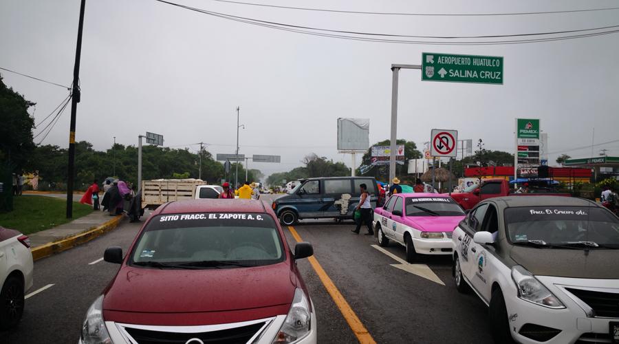Varias horas Codedi bloqueó carretera 200 y aeropuerto. Noticias en tiempo real