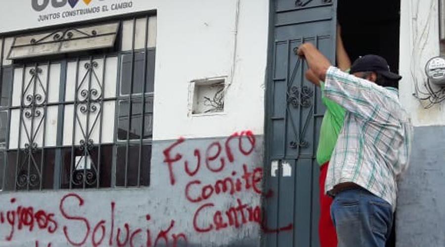 Vecinos de  San Sebastián cierran  el SAP debido a la falta de agua