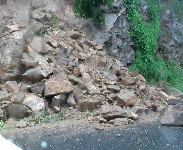 Vicente deja daños en Pochutla y Huatulco
