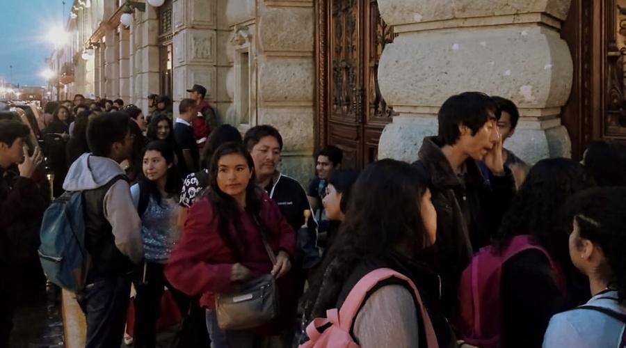 Dejan pocos espacios para ciudadanos en concierto en teatro Macedonio Alcalá