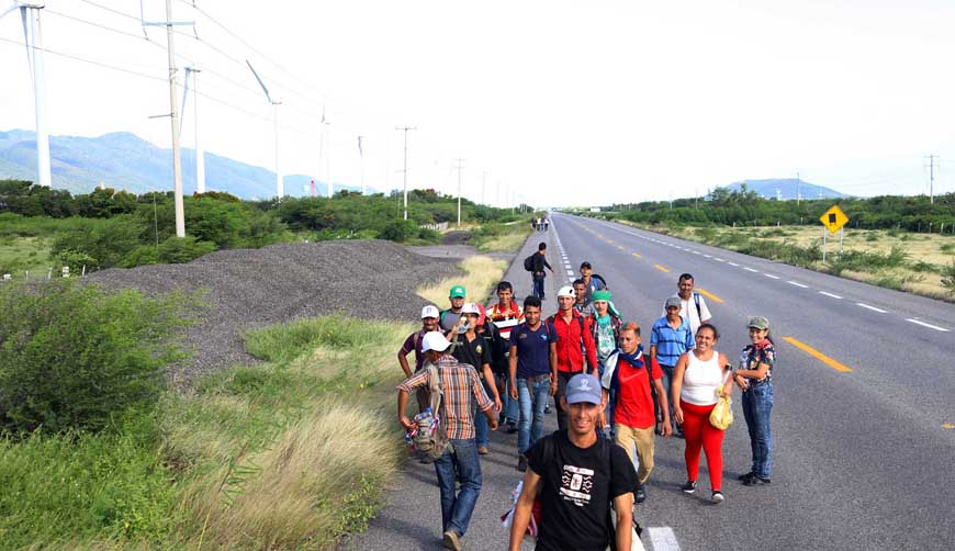 Niega INM  información a caravana migrante en Oaxaca