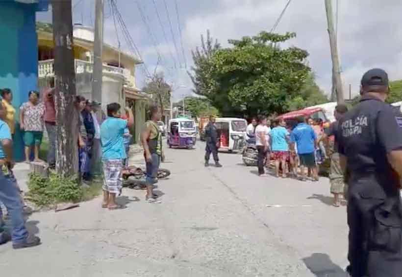 Mototaxista y motociclista chocan sus vehículos en Juchitán | El Imparcial de Oaxaca