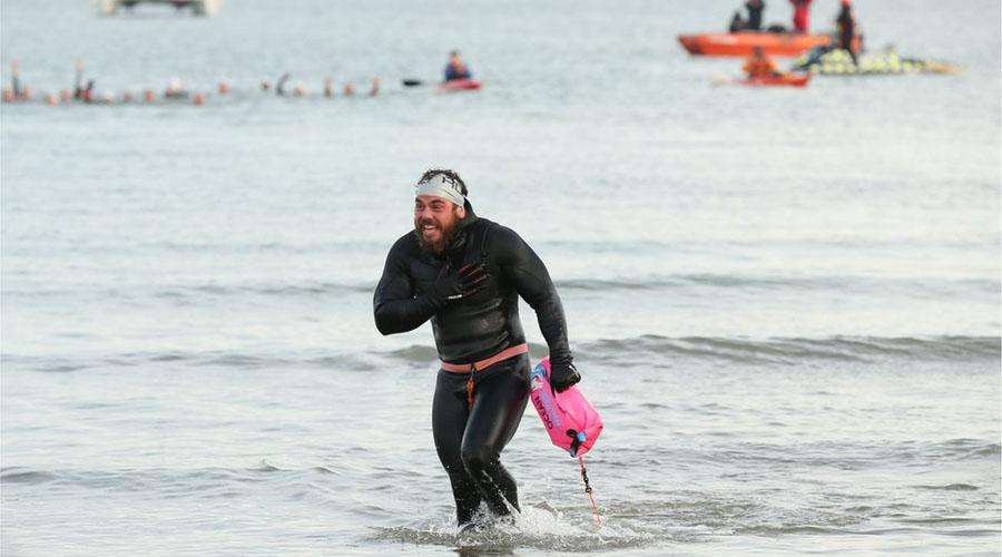 Los terribles efectos en el cuerpo de Ross Edgley tras nadar 157 días alrededor de Gran Bretaña   El Imparcial de Oaxaca