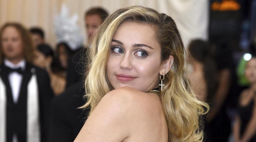 Miley Cyrus estrenó su nueva canción