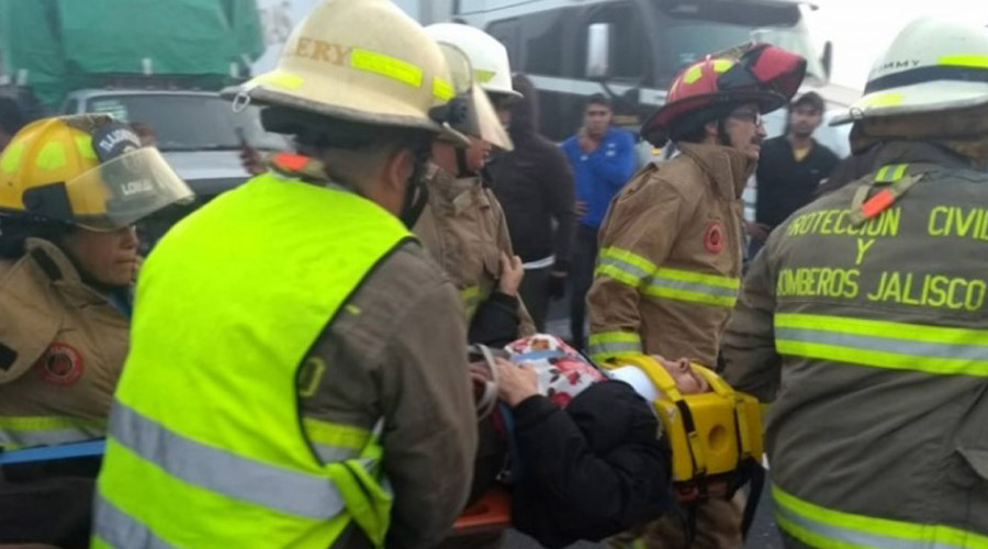 Reportan 25 lesionados tras volcadura de autobús en Jalisco   El Imparcial de Oaxaca