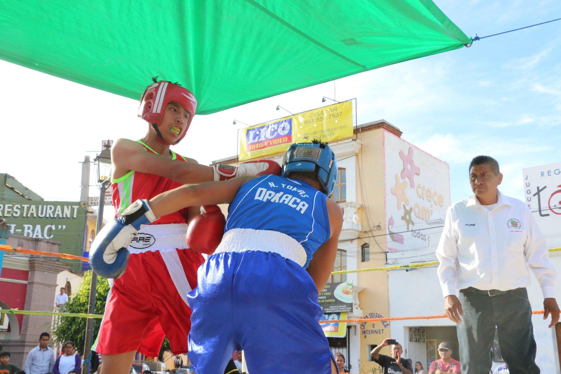 Se enfrentan las selecciones de boxeo de Oaxaca vs Puebla