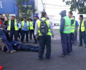 Atropella taxi a hombre en la Avenida Oaxaca