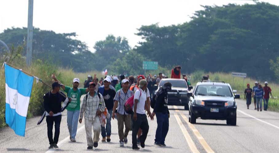 Exigen buen comportamiento a caravana de migrantes que pasan por Oaxaca | El Imparcial de Oaxaca