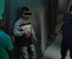 Comerciantes de la Central de Abastos golpean a supuesto ladrón