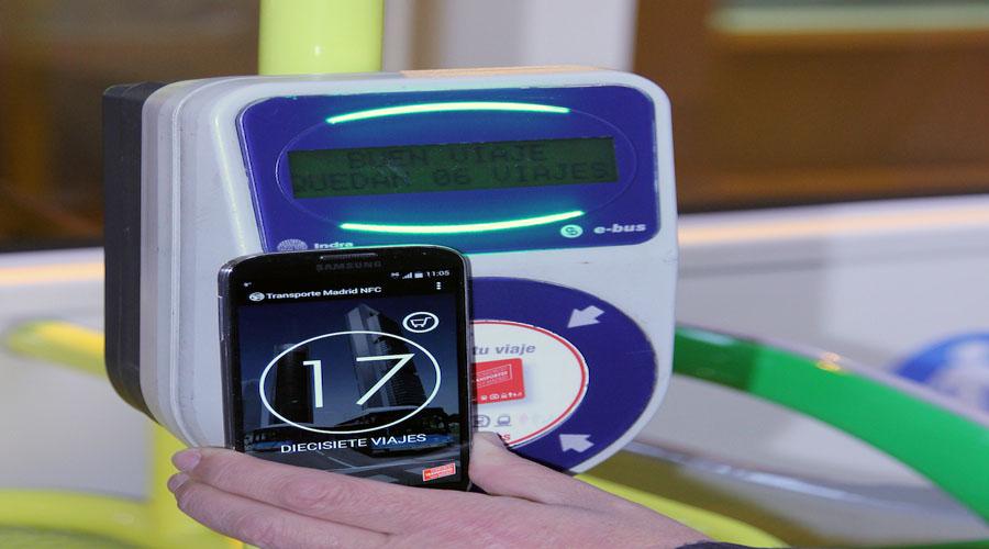 El pago con móvil se estrena en la EMT. Noticias en tiempo real