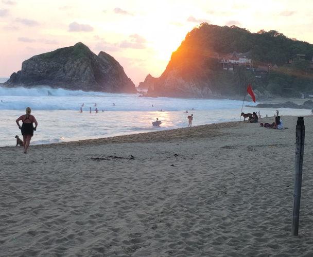 Saldo blanco en destinos de playas de Oaxaca