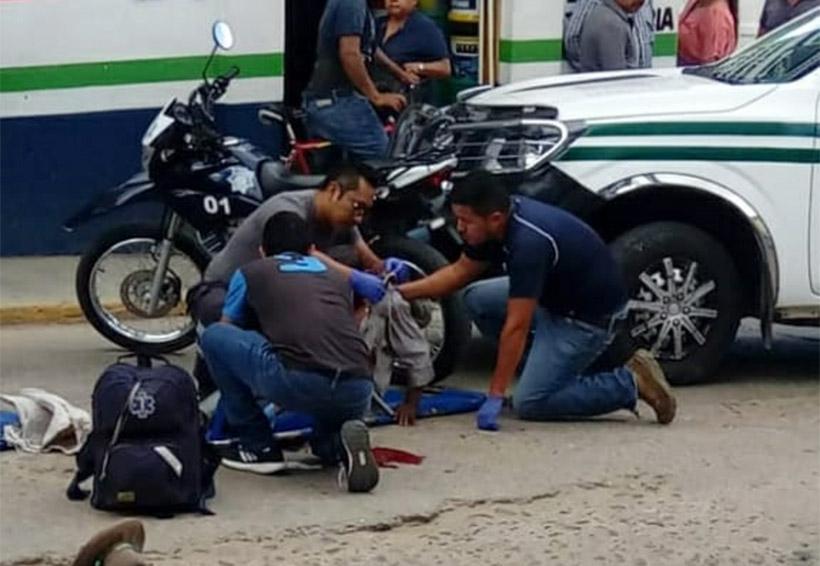 Camioneta de pasajeros atropella a campesino en Ejutla, Oaxaca | El Imparcial de Oaxaca