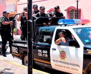Detienen a hombre por robo en calle Nuyoo en Huajuapan