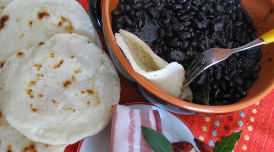 Video: Migrante dice que los frijoles y las tortillas son comida para puerco | El Imparcial de Oaxaca