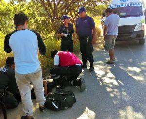 Motociclista se estampa contra un mototaxi en Oaxaca
