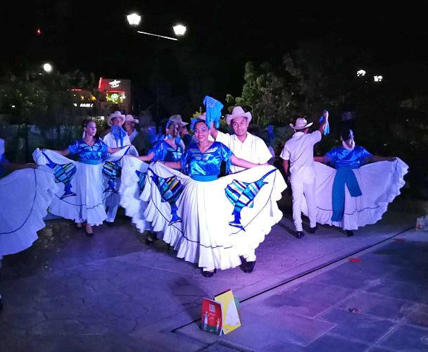 Casa de la Cultura de Puerto Escondido clausura cursos en gran evento