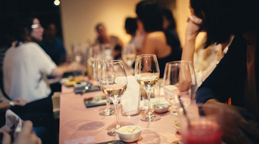 Fiesta de Navidad de la empresa, puede ser oportunidad para ser infiel | El Imparcial de Oaxaca