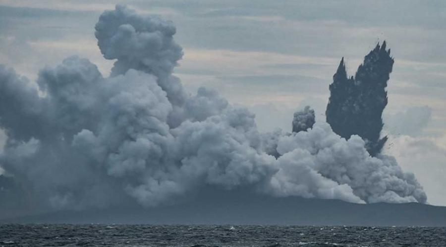 430 muertos, 159 desaparecidos y 1500 heridos — Tsunami en Indonesia